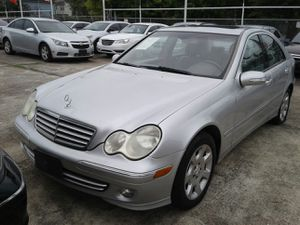 2007 MERCEDES BENZ C CLASS CLEAN TITLE for Sale in Houston, TX
