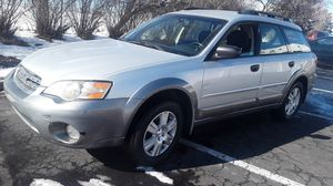 2005 subaru outback awd automático for Sale in Denver, CO
