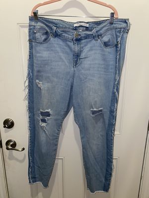 Distressed blue denim jeans size 20 for Sale in Bakersfield, CA