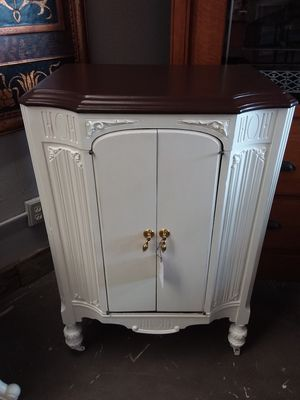Vintage radio cabinet for Sale in Vancouver, WA