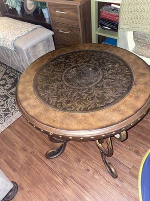 To side tables and a coffee table for Sale in Fresno, CA