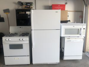 Whirlpool Kitchen Appliance Set for Sale in Las Vegas, NV