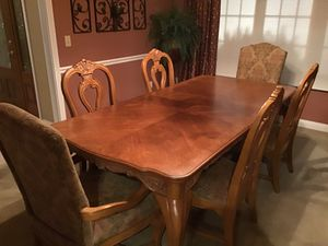Bernhardt Table and chairs w/cabinet for Sale in Cincinnati, OH