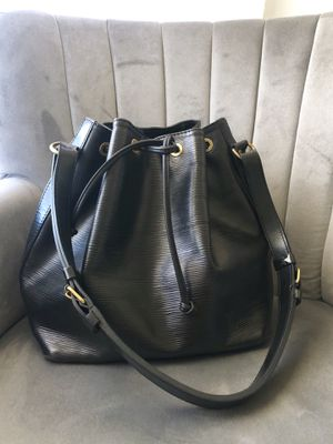 Louis Vuitton Bucket Bag for Sale in Monterey Park, CA