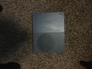 Xbox One S, 1 controller, Hyper X headset, rechargeable batteries for Sale in Lincoln, NE