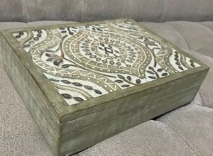 NEW Hand Carved Ashanti Tea Box, World Market, 6 Sections for Sale in Marina, CA