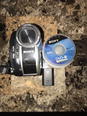 SONY DCR-DVD 650 Camcorder for Sale in Kansas City, MO