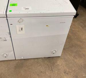 Frigidaire deep freezer FFFC05M to you W 6 B7 for Sale in San Antonio, TX