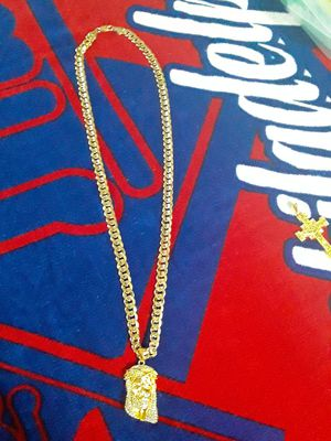 30 inch 14kt stamped gold plated miami cuban link chain rare style diamond sparkle chain with good size gold plated cz jesus . Great qual 275 obo for Sale in Mechanicsburg, PA