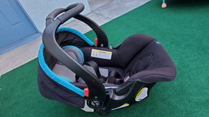 Rear facing car seat with base (Babytrend) for Sale in Milpitas, CA