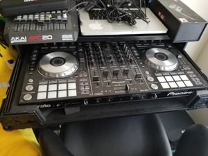 Pioneer DDJ-SX2 WITH custom Odyssey black label flight case with Led lights for Sale in Boston, MA