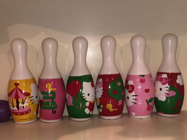 Hello Kitty Sanrio Bowling pins and balls - toy for kids! Free gift included!