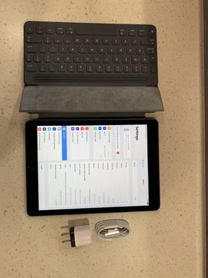 IPad Pro 32GB GSM AND WIFI LIKE NEW for Sale in Chicago, IL
