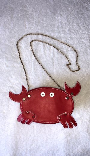 Forever 21 Crab Purse w/gold chain for Sale in Carlsbad, CA
