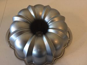 Nordic Ware 10-15 cup bundt pan for Sale in Ashburn, VA