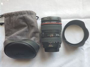 Canon 24-105mm IS L lens + hood + pouch for Sale in Houston, TX