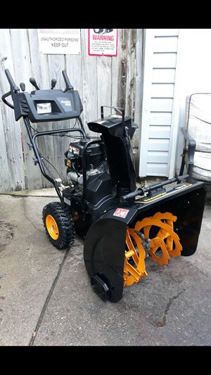 """Poulan Pro 24"""" Inch 2-Stage Gas Self Propelled Snowblower W/Electric Start And Remote Chute Controls for Sale in Aurora, IL"""