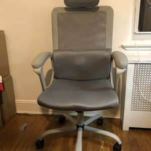 Ergonomic Office Chair w/ headrest and massager for Sale in Queens, NY