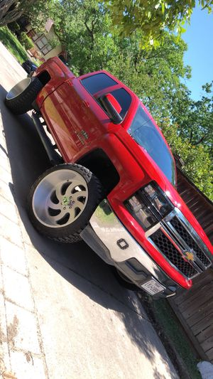 24x14 xtreme forces xf1 on 35s for Sale in Houston, TX
