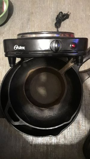 Portable stove top range and 3 cast iron pans all for $10 for Sale in Columbus, OH