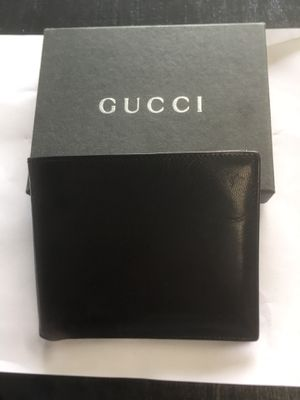 Men's Gucci wallet mint condition. Authentic!!!! for Sale in San Francisco, CA
