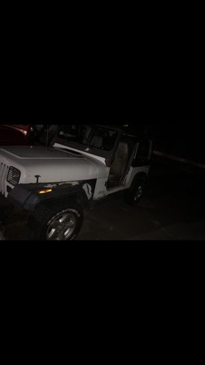 95 jeep wrangler 4 cylinder auto 4x4 for Sale in Naugatuck, CT