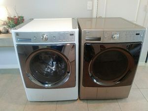 Kenmore Elite Steam Connect Washer and Dryer for Sale in Winter Haven, FL