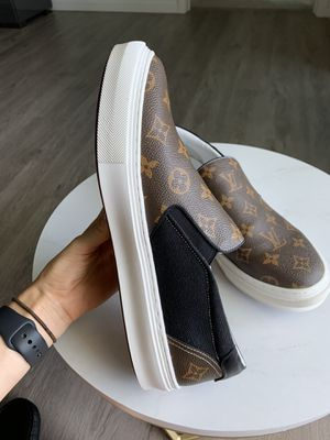 Louis Vuitton Men's Sneakers SIZE 10 for Sale in North Miami, FL