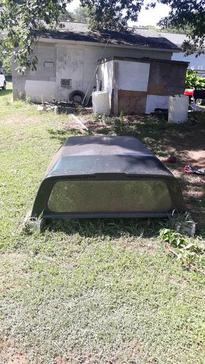Full size truck camper cover in excellent shape for Sale in Greenville, SC