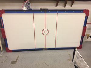 Air hockey table I plugged it in and it works any questions ask me for Sale in Allentown, NJ
