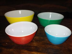 Vintage PYREX Mixing Bowls~Set of 4~Primary Colors~Blue, Red, Green, Yellow for Sale in Winter Park, FL