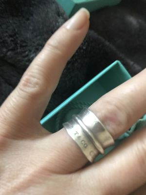 Tiffany and Co barrel ring size 5 for Sale in Sacramento, CA