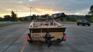Boat cheetah 1984 just rebuilding the motor for Sale in Clarksville, TN