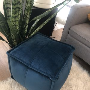 Modern Pouf for Sale in Redmond, WA
