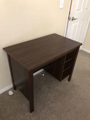 Computer desk for Sale in Alpharetta, GA