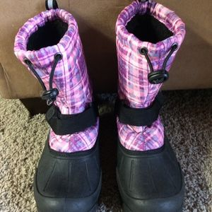 Size 5 Girls Snow Boots for Sale in Kent, WA
