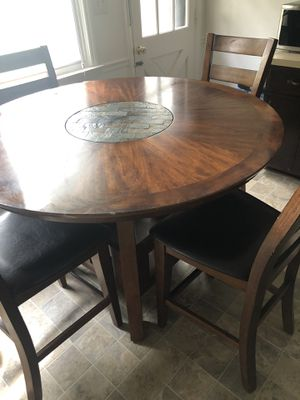 Round bar height kitchen dining table for Sale in Chesapeake, VA