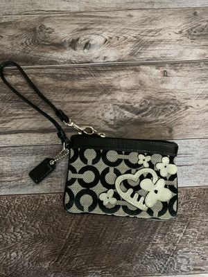 Coach wristlet wallet for Sale in Blue Bell, PA