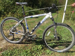 "Trek 6700 mountain bike 18"" frame for Sale in Amesbury, MA"