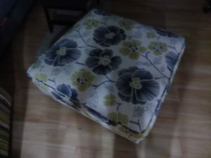 Ottoman large in good shape for Sale in West Palm Beach, FL