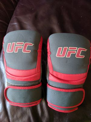 UFC Grappling Gloves Small Size for Sale in Hawthorne, CA