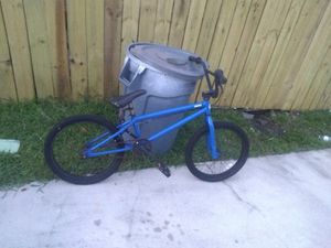 Selling my bmx bike for Sale in Miami, FL