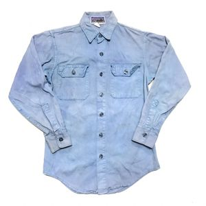 Vintage PATAGONIA Denim Button Up Shirt. Item is in excellent preowned condition w/ hand dyed blue finish 13.5oz. Size XS Extra Small for Sale in Los Angeles, CA