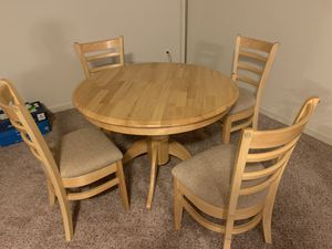 Round kitchen table set for Sale in Franklin Township, NJ