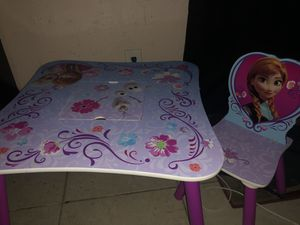Frozen table with storage bag for Sale in Fort Myers, FL