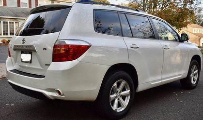 Fully Maintained 2008 Toyota Highlander AWDWheels💎yjthtgrfeds for Sale in Alexandria,  VA