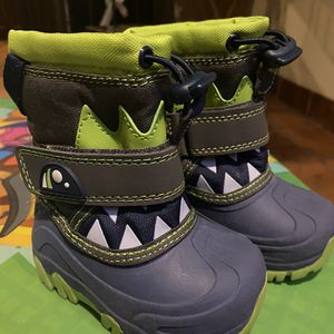 Thermolite Toddlee Snow Boots for Sale in Downey, CA