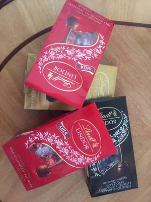 4 Lindt lindor chocolate truffles for Sale in Baldwin Park, CA