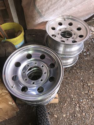 Ford F-250 16x7 aluminum rims for Sale in Newberg, OR