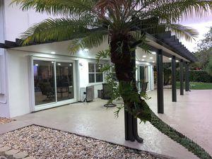 Techos de aluminio Pérgolas for Sale in Hialeah, FL